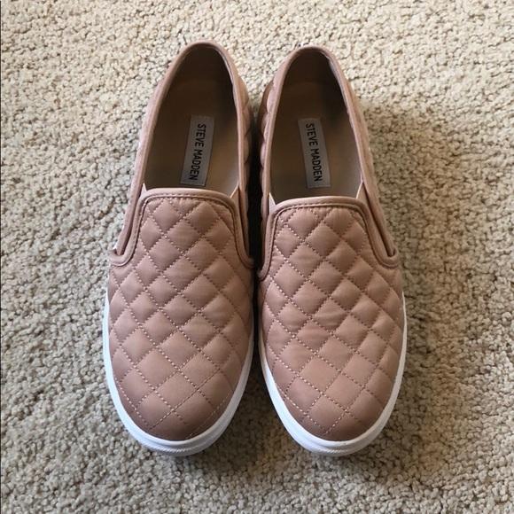 a87180fd2d3 ❗️Bundle 3 Sale ❗️Steve Madden Ecentrcq Sneaker